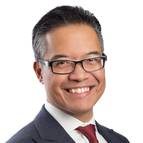 headshot of Victor Calanog at Moody's analytics